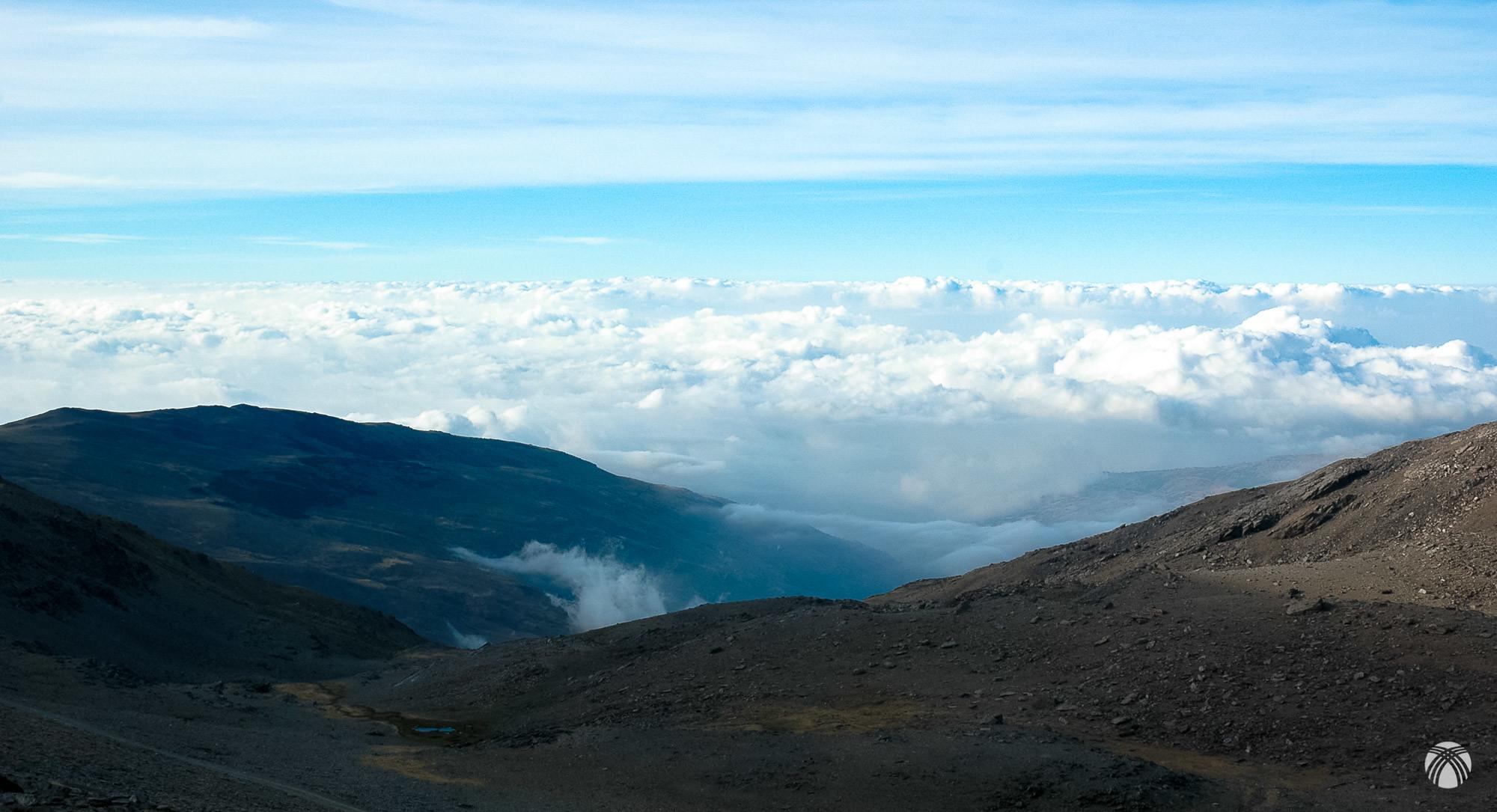 Bonito mar de nubes en el barranco del Poqueira