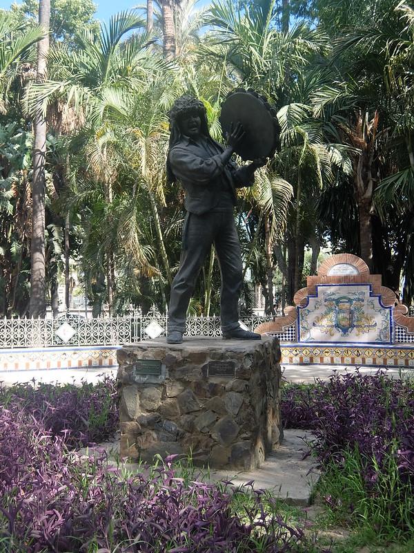 Малага - Скульптура с бубном