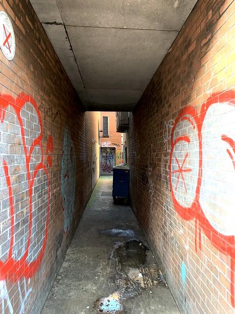 Un-named Entry off Ann Street, Belfast