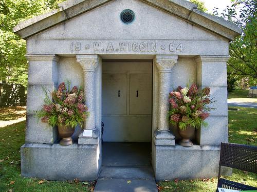cemetery grave graveyard lowell lowellcemetery massachusetts mausoleumtour wiggin mausoleum