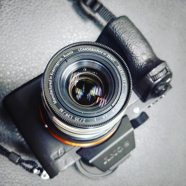Lomo PO4-1M 35mm f2 VS Lomography 35mm f2