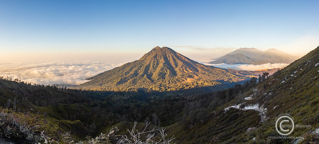 Sunrise on Ijen crater rim