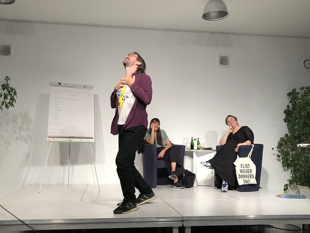 Sergio Garau bei Textstrom Poetry Slam - Oktober 2019