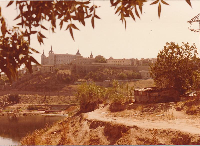 vista de la playa de Safont y el Granadal durante la construcción del Puente de Azarquiel, años 80. Fotografía de Tomás García del Cerro