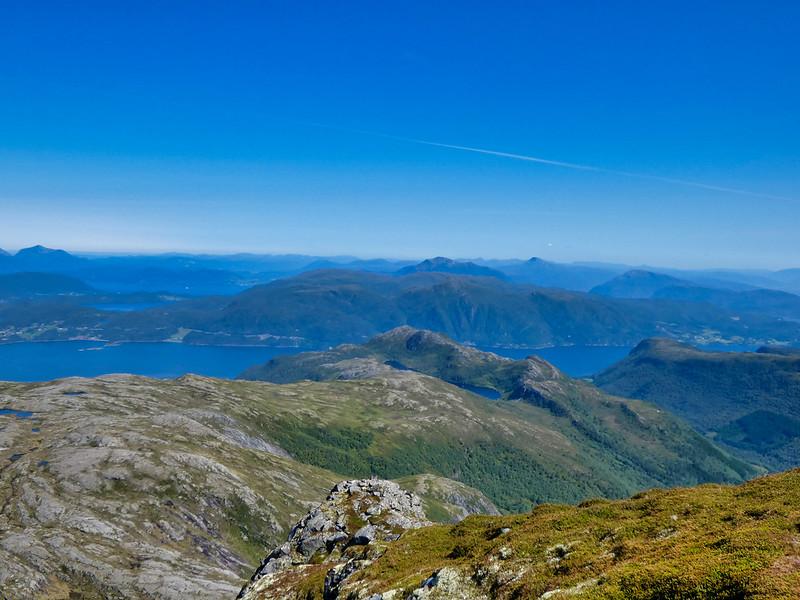 43-Utsikt mot Tingvollfjorden