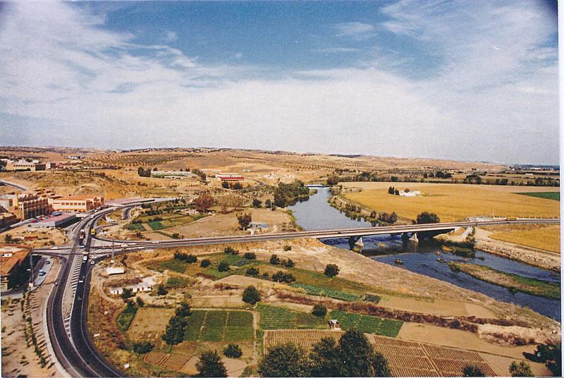 Huerta del Granadal y Puente de Azarquiel en los años 80.  Colección de Tomás García del Cerro