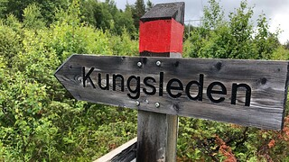 Kungsleden trail post