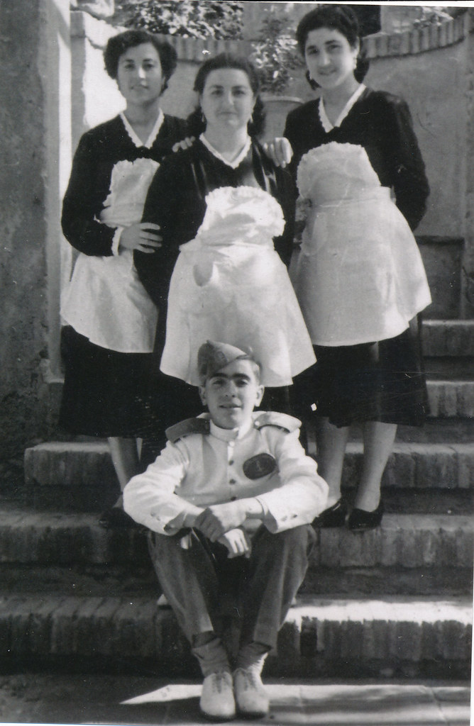 Personal del Hostal del Cardenal en los años 50. Colección de Tomás García del Cerro.