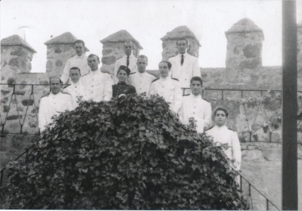 Personal del Hostal del Cardenal en los años 50. Colección de Tomás García de Cerro.