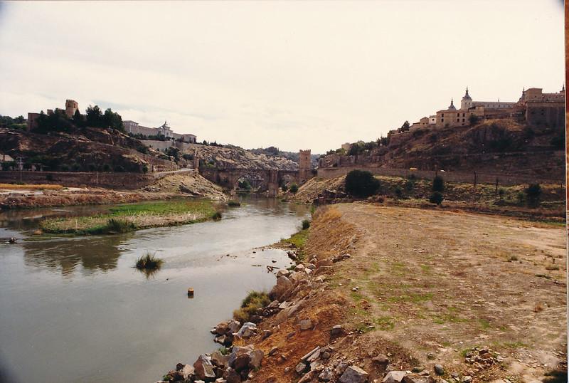 Vista de la playa de Safont y río Tajo antes de la Construcción del puente de Azarquiel, años 80. Foto de Tomás García del Cerro