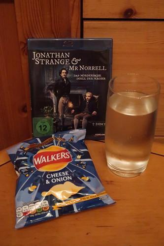 "Walkers Crisps Cheese & Onion und Tonic Water zur dritten Folge der Mini-Serie ""Jonathan Strange & Mr Norrell"""