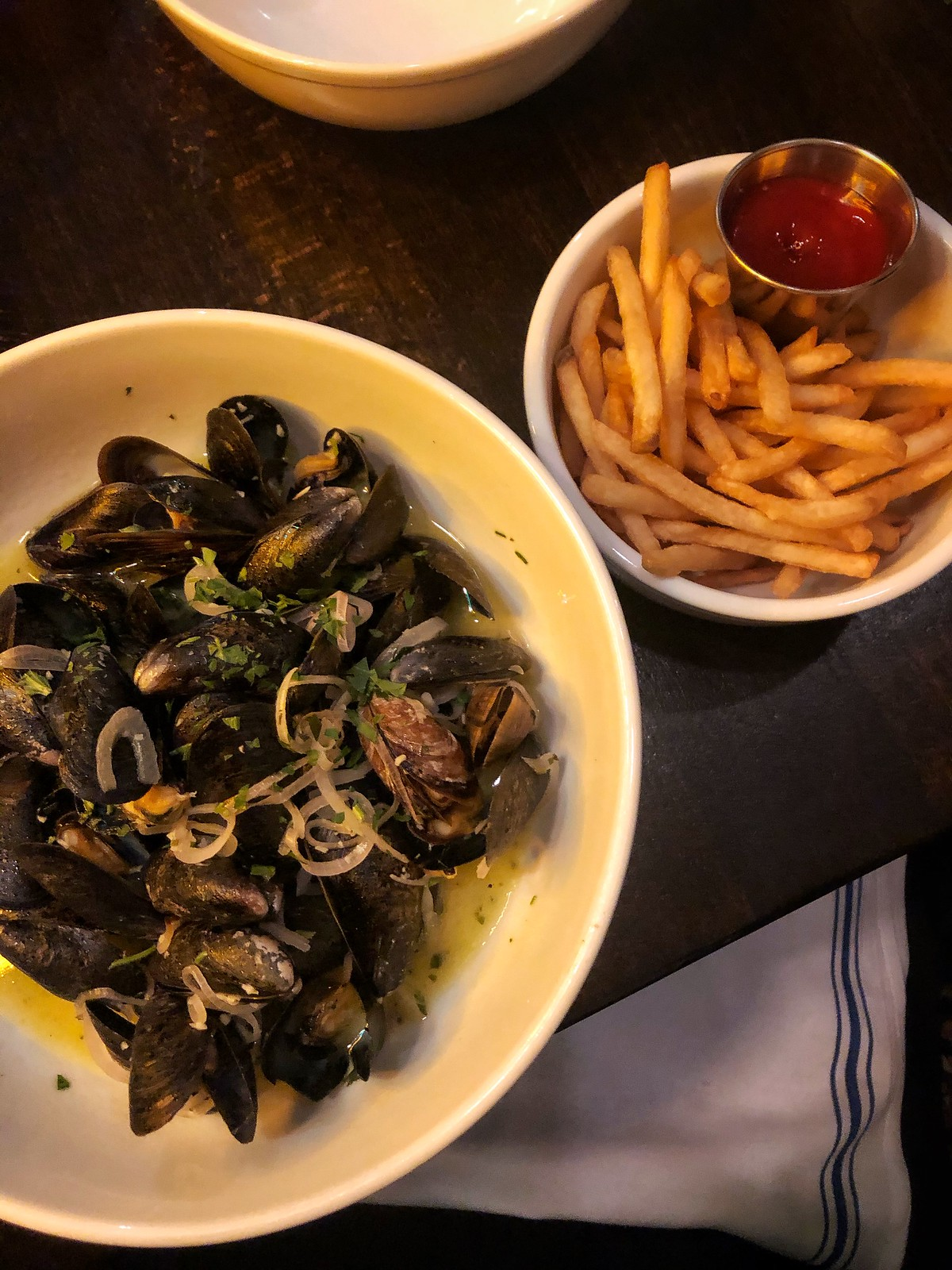 The Whitlock Katonah New York Dinner Mussels Fries