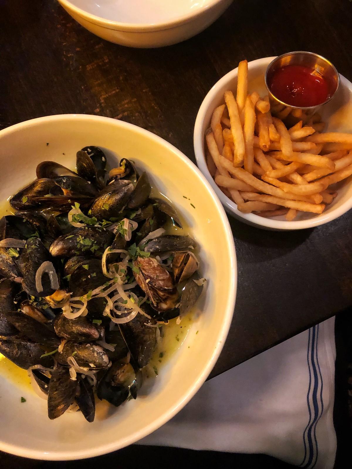 The Whitlock Katonah New York Dinner Mussels Fries