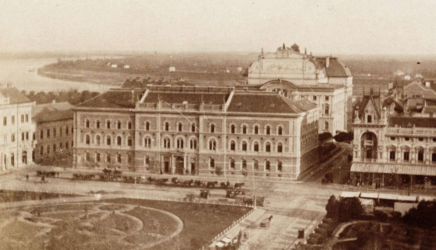 Amikor őrség állt a Széchenyi téren