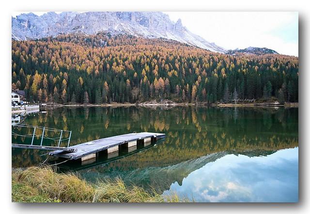 Autumn colors @ Lake Misurina.