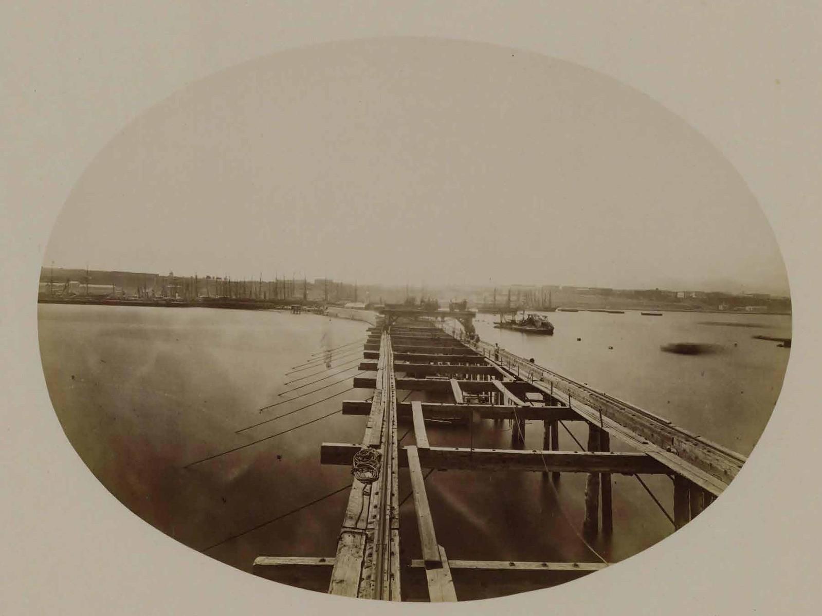 Вид с эстакады на корабли