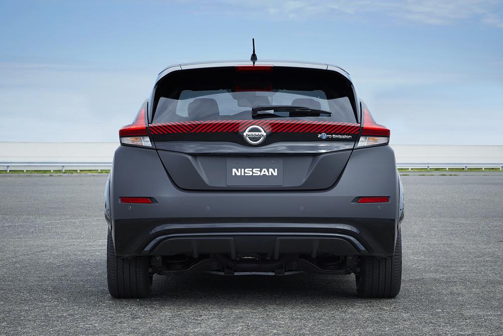 07e08911-nissan-leaf-test-car-twin-motor-7