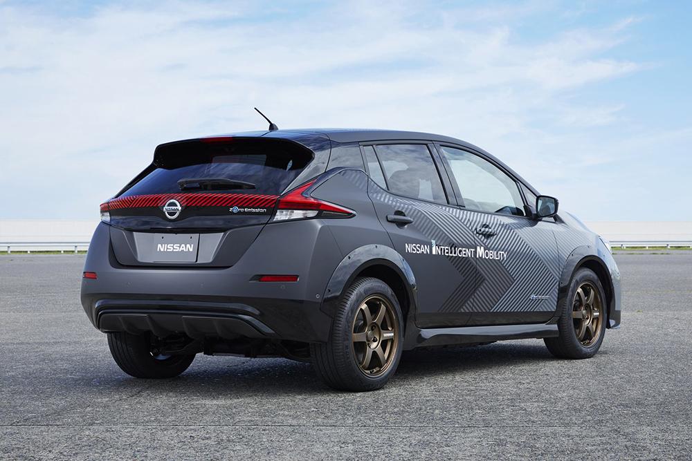92df396b-nissan-leaf-test-car-twin-motor-4