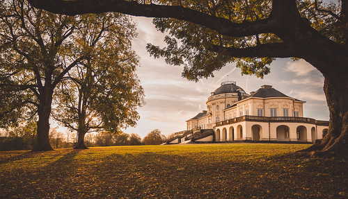 landscape view park trees yard building castle architecture old historical rococo fall autumn season colors details light mood sunshine morning frame wanderlust travel visit explore discover sightseeing solitudecastle sclossolitude stuttgart badenwürttemberg germany photography hobby nikonz6