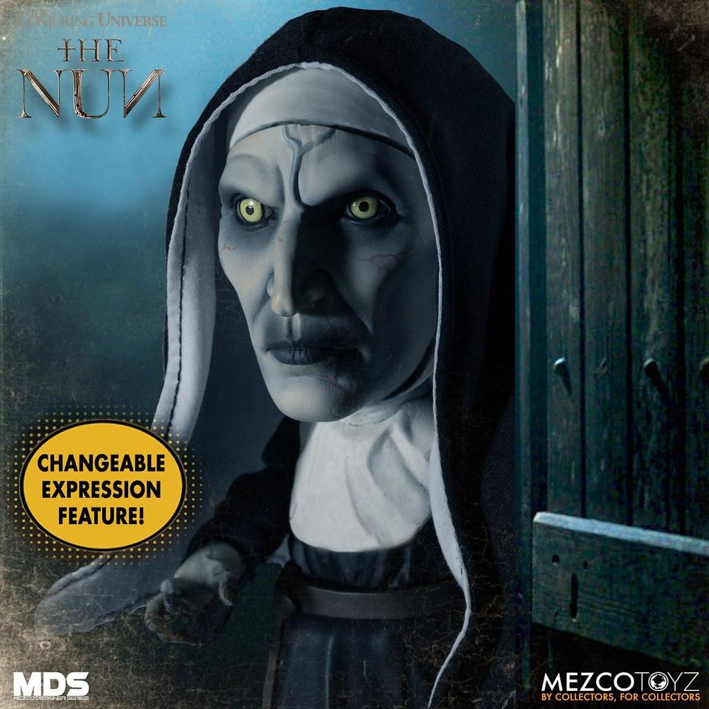 雙眼直盯盯地看著你,看到你渾身發毛...... MEZCO M.D.S.系列《鬼修女》鬼修女 The Nun 可動人偶