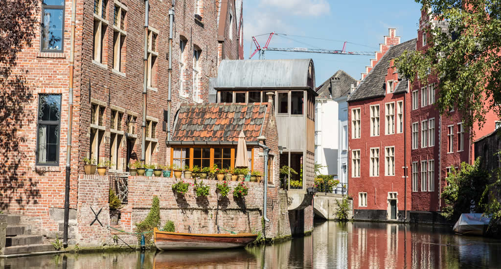 Boatr trip in Ghent, Belgium | Discover the canals of Ghent, Belgium