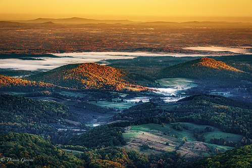 shenandoah virginia autumn fall landscape landscapemountain river scenic shenandoahvalley sky skylinedrive sunrise trees water