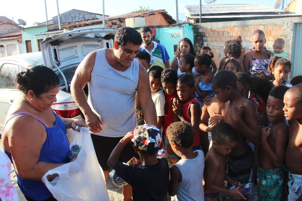 Vereador Gó distribui brinquedos no dia das crianças (10)
