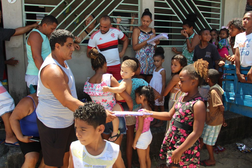Vereador Gó distribui brinquedos no dia das crianças (2)
