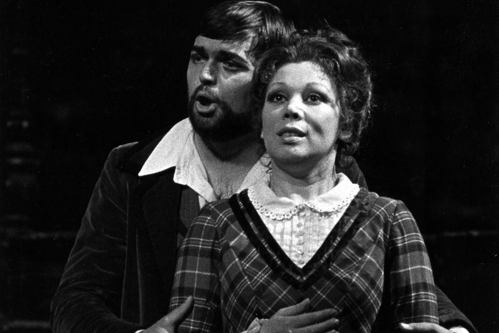 Peter Dvosrky as Rodolfo and Mirella Freni as Mimì in La bohème, The Royal Opera, 1980 © ROH. Photograph by Donald Southern