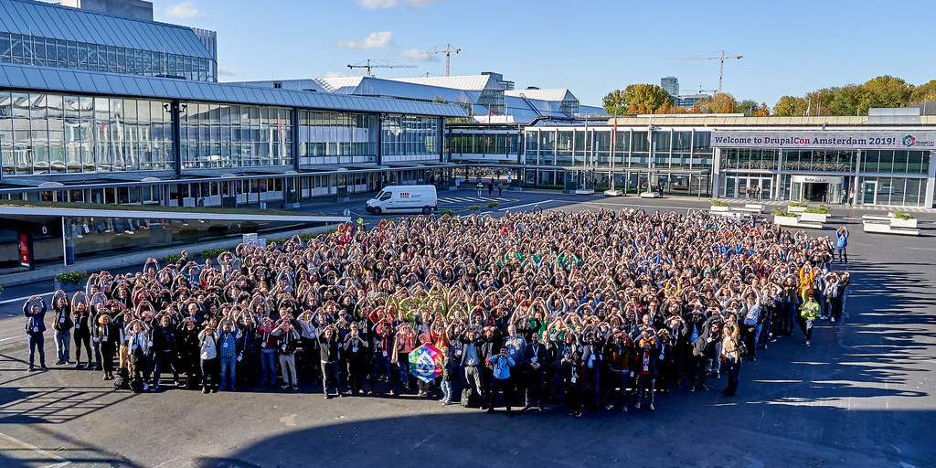 Group picture Hearts - DrupalCon Amsterdam 2019