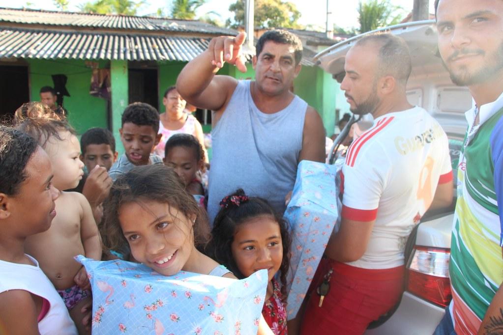 Vereador Gó distribui brinquedos no dia das crianças (13)