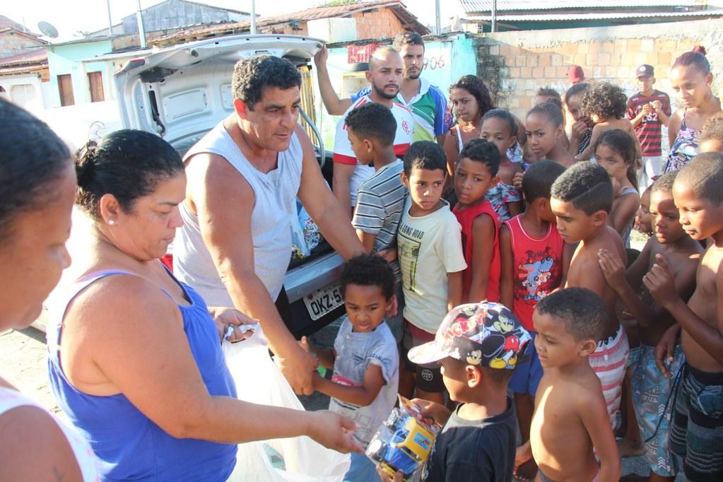 Vereador Gó distribui brinquedos no dia das crianças (9)
