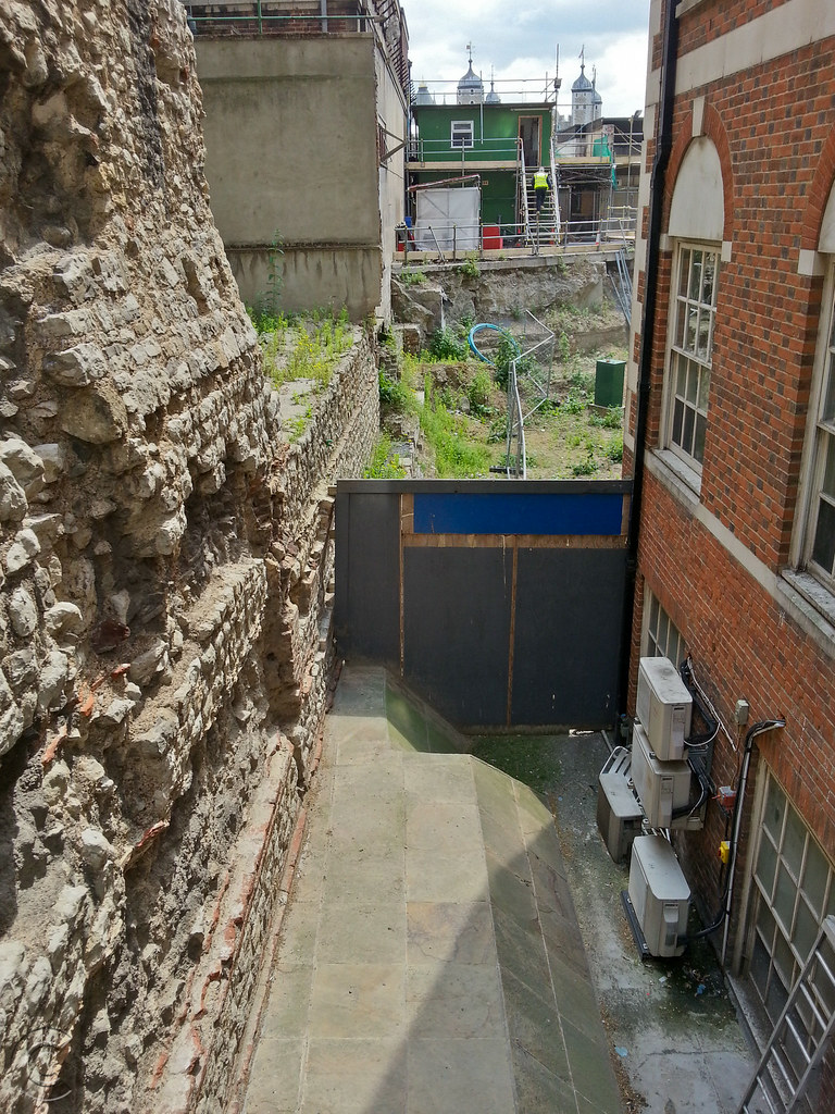 Roman wall from Coopers Rows to Trinity Place