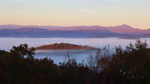 blueridge appalachians fall autumn sunrise landscape color northcarolina westernnorthcarolina canoneos6d canonef24105mmf4lisusm