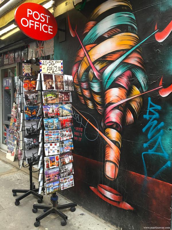 Street art by Osch, Brick Lane