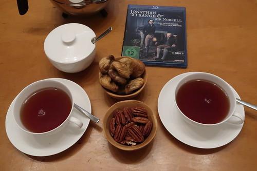 """Englischer Tee, getrocknete Feigen und Pekannüsse zur vierten Folge der Mini-Serie """"Jonathan Strange & Mr Norrell"""""""