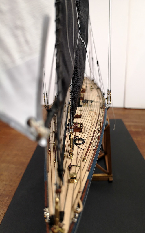 Endeavour 1934 - yacht J-class - 1:80 Amati - Page 5 48981940428_13a95f86ef_c