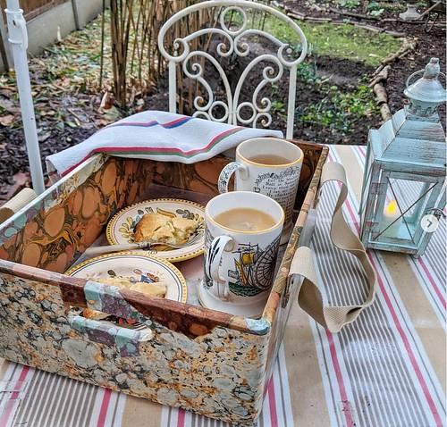 026-box-tray