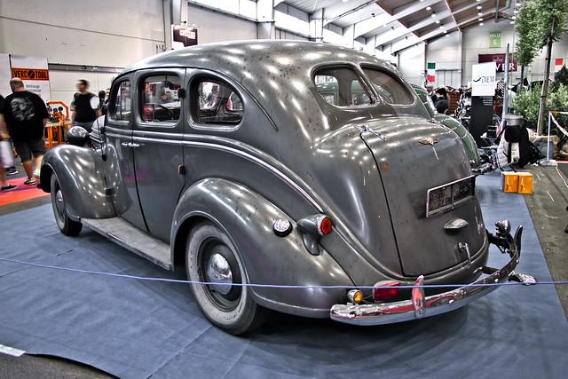 Dodge Touring Sedan 1937 (1244)