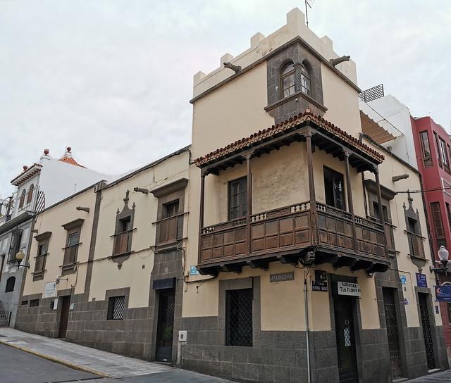edificio balcon canario estilo mudejar calle General Bravo y calle Maninidra Barrio de Triana  Las Palmas de Gran Canaria 52