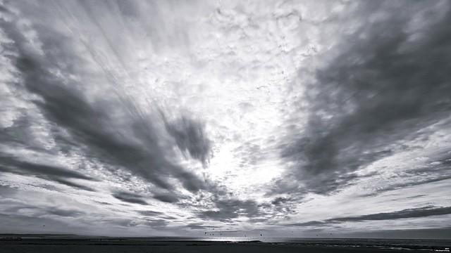 """""""L'horizon souligne l'infini."""""""