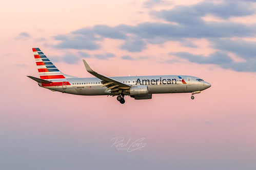 jet plane airplane dfw kdfw american aa americanairlines airliner aviation avgeek boeing boeing737 737 737800 canon 80d 70200 photography canon80d