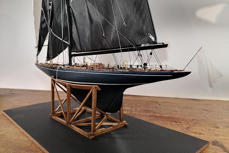 Endeavour 1934 - yacht J-class - 1:80 Amati - Page 5 48982691267_1a69d7fe7f_c