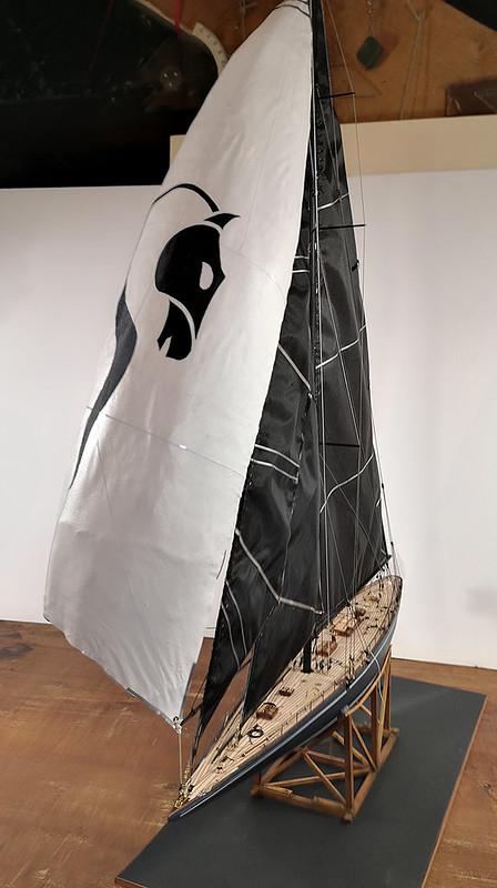 Endeavour 1934 - yacht J-class - 1:80 Amati - Page 5 48982692592_1427375c15_c