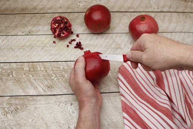 Easy Handling Pomegranates (5)