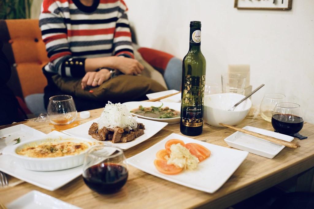スロバキア産ワインと料理を楽しむ