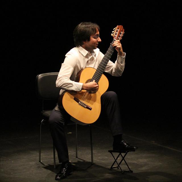 LUIS ALEJANDRO GARCÍA, GUITARRA - CICLO JUVENTUDES MUSICALES - TEATRO EL ALBÉITAR DE LA UNIVERSIDAD DE LEÓN 29.10.19