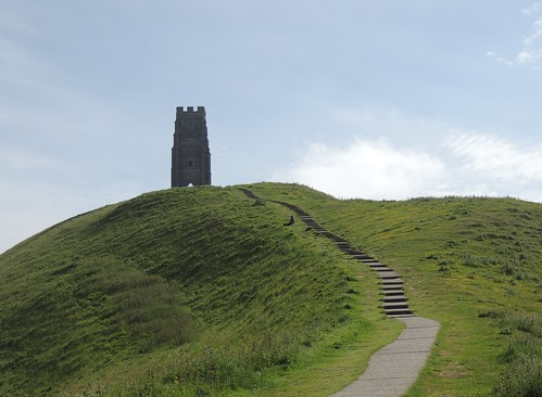 glastonbury tor hillside ancient steps steep climb green grass blue sky clouds monument outdoors outside sun sunshine heat hot weather somerset westcountry nature naturephotography picture photograph photo breathtaking views