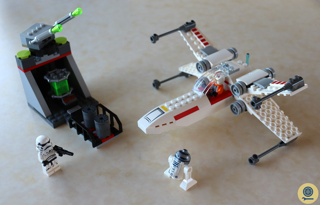 75235 X-wing Starfighter Trench Run (1)
