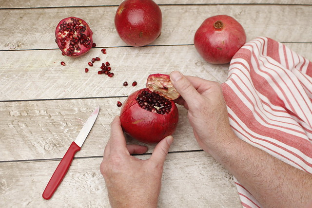 Easy Handling Pomegranates (6)